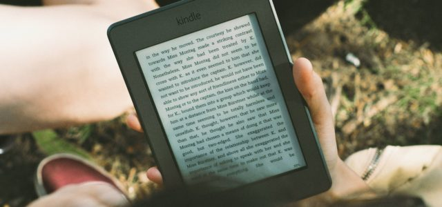 Use your Kindle to Discover the Secrets to Traveling the World and Flying for Free